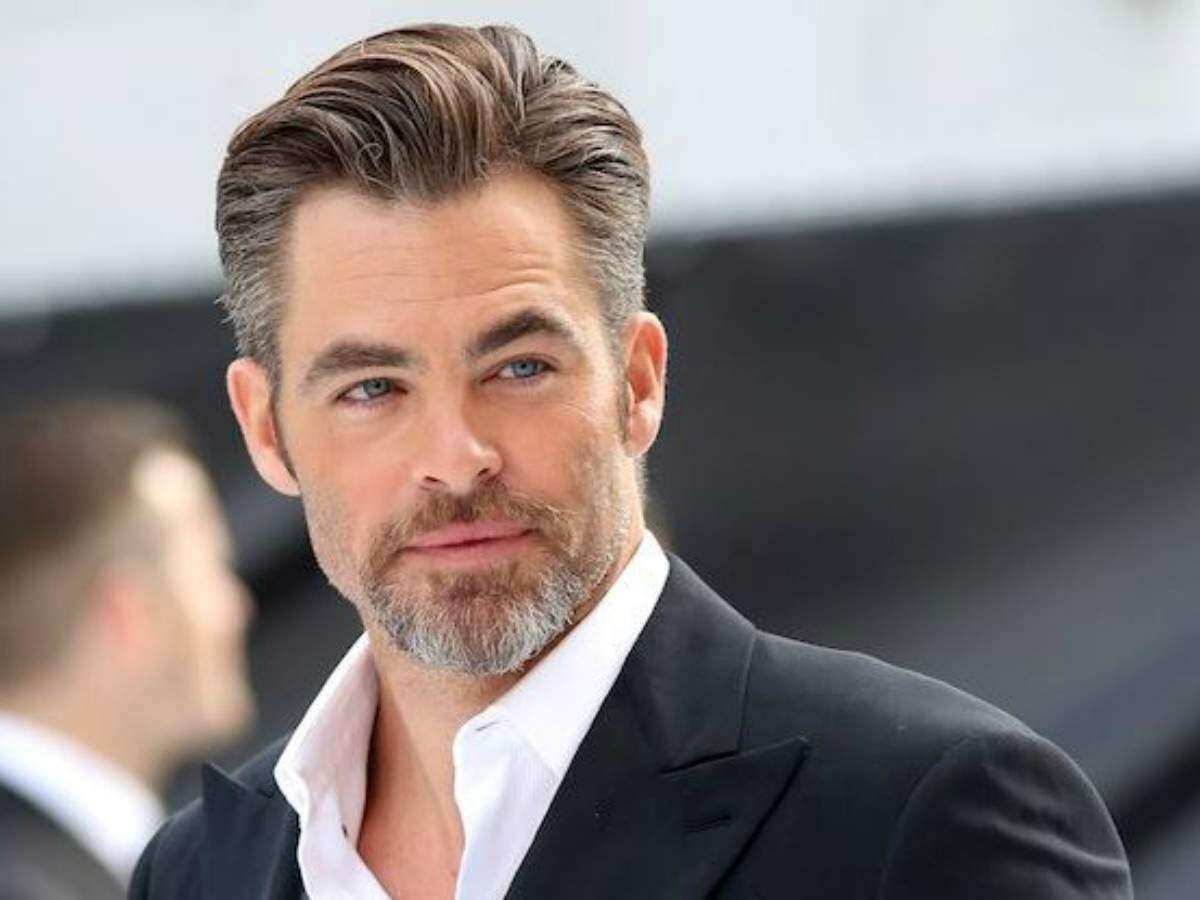 Outstanding Natural Gray Hair New Trend In Men Fashion Is Rocking Styles Natural Hairstyles Runnerswayorg